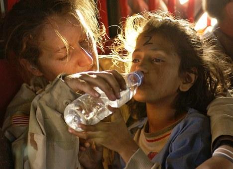 humanitarian-aid-939723__340.jpg